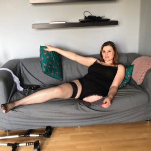 Amputee Amelia: Sexy Girl!